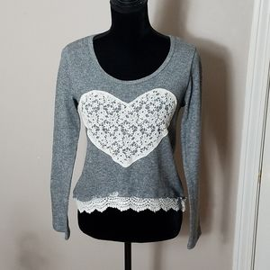 Rue 22 Gray Sweater with Embroidered Heart Sz M